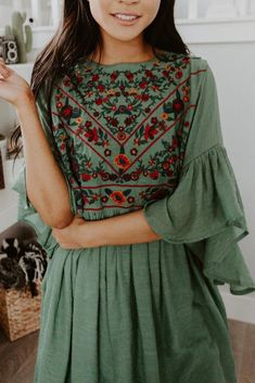indian designer wear Excellent are readily available on our site. look at this and you wont be sorry you did. Boho Outfits, Pretty Outfits, Cute Outfits, Casual Outfits, Look Boho, Bohemian Style, Bohemian Fashion, Hippie Style, Gypsy Style