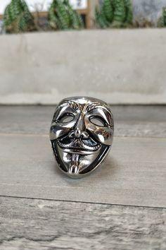 Ανδρικό δαχτυλίδι 'V for Vendetta' (Ατσάλι) Men Rings, Silver Rings, Male Rings, Man Ring