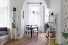 Светлая круговая квартира вДоме купца Полежаева (Петербург) — The Village