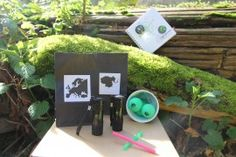 A Fun, unique and educational scavenger hunt kit is ready for you. One click and we deliver to your door.