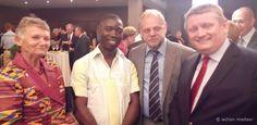 Gesundheitsminister Gröhe und Entwicklungsminister Müller sind in dieser Woche nach Ghana und Liberia gereist, um sich mit dem Thema zu beschäftigen, wie Deutschland die Gesundheitssysteme in armen Ländern stärken kann.