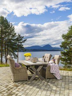 Hagemøbler: Ørelappstoler og trebord fra Talgø OutLiving® 2014