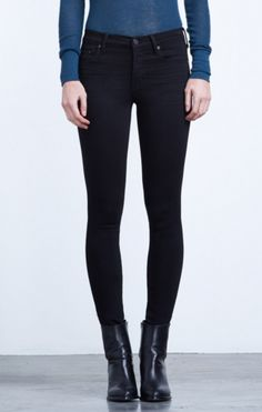 The perfect petite skinny spec to fit a petite frame. The Rocket is a high rise skinny with a higher knee break on the leg to accommodate the petite frame. The Axel is crafted in super stretch fabric and a luxuriously soft hand make these ink black jeans Slim Jeans, Skinny Jeans, Women's Jeans, Skinny Fit, Jeans Size, Boss Lady, Distressed Jeans, Black Jeans, Denim