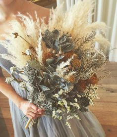 Many brides may understand the wedding flower they desire in their own bouquet, but are a little mystified about the remainder of the wedding flowers needed to complete the event and reception. Hand Bouquet, Dried Flower Bouquet, Dried Flowers, Bridal Flowers, Fall Flowers, L Eucalyptus, Wedding Flower Guide, No Rain, Types Of Flowers