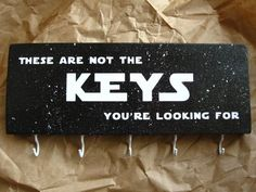 This amazing key holder — 21 Legit Cool Things Star Wars Fans Will Actually Want In Their Homes Star Wars Decor, Theme Star Wars, Star Wars Crafts, Star Wars Love, Funny Christmas Gifts, Christmas Humor, Diy Christmas, Star Wars Christmas, Nota Personal