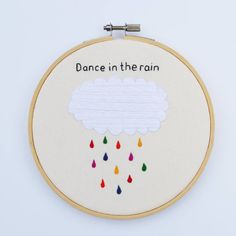 original_dance-in-the-rain-hand-embroidery-hoop-art.jpg (900×900)