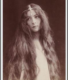 "The Corseted Beauty (@the_corsetedbeauty) on Instagram: ""French-Spanish soprano Lola Artôt de Padilla, ca. 1900s """