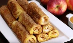 Apple French Toast Roll-Ups 14 Decadent French Toasts That'll Change Your Life Tapas, Apfel French Toast, Breakfast Casserole, Breakfast Recipes, Breakfast Time, French Toast Roll Ups, Brunch, Good Food, Yummy Food