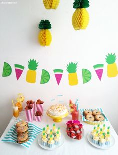 Luloveshandmade: Colorful party concepts and food tables: Birthday Party Decorations, Party Themes, Birthday Parties, Party Ideas, Animal Party, Party Animals, Food Tables, Fruit Birthday, Heart Party
