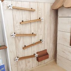LIMIAは、「自分らしい住まい」を発見できる住まい作りコミュニティです。 Play Equipment, Wooden Diy, Diy Toys, Handmade Toys, Diy For Kids, Woodworking Projects, Door Handles, Diy And Crafts, Kids Room
