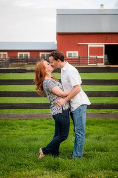 Blue and white spring engagement photos at Frying Pan Farm Park in Herndon VA | Kelly Ewell Photography
