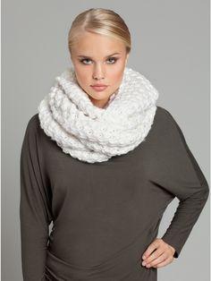 cream infinity scarf. need.