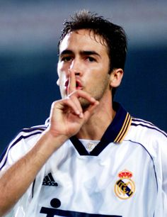 i started playing football because of this guy. Pure Football, Real Madrid Football, Football Soccer, Football Players, Camp Nou, World Of Sports, Badminton, My Hero, Champion