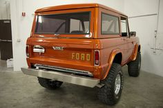 1969 Ford Bronco, Mountain Series Edition - want this body style Classic Bronco, Classic Ford Broncos, Classic Trucks, Classic Cars, Ford Trucks, Pickup Trucks, Bronco Truck, Early Bronco, Ford Diesel