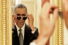 Veci čo všetci robia, ale nehovoria o tom. Aj prezident Obama. BuzzFeed [http://www.buzzfeed.com/andrewgauthier/the-president-uses-a-selfie-stick?utm_term=.scknwY7JbX#.jtdDgl5wR] spolupracoval s prezidentom USA, ktorý v tomto videospote [https://www.facebook.com/video.php?v=1631492713658271] propaguje registráciu zdravotného poistenia. Je to celkom šikovný spot, najmä preto, že správa o termíne registrácie je vnorená uprostred dvoch minút série gagov.