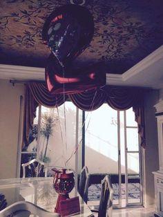 Dispensador de dulces, carta y globo gigante