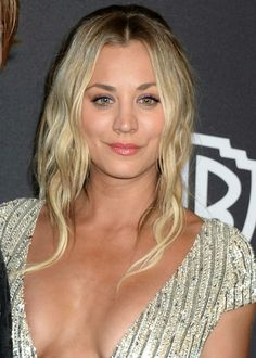 kaley cuoco instyle and warner bros golden globes after party 1 8 2017 1 Beautiful Celebrities, Beautiful Actresses, Kaley Cuoco Body, Kaley Cuocco, Golden Globes After Party, Amanda Bynes, Bigbang, Beauty Women, Bangs