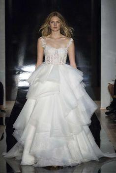 Abiti da sposa Reem Acra 2017 - Vestito con gonna a balze Reem Acra