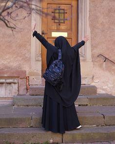 Niqab Fashion, Modest Fashion Hijab, Arab Girls Hijab, Muslim Girls, Hijabi Girl, Girl Hijab, Muslim Women Fashion, African Men Fashion, Hijab Hipster
