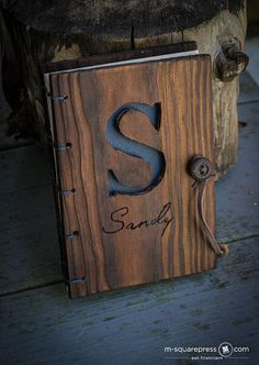 Personalized Pine Wooden Travel Journal от MsquarePress на Etsy