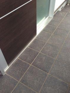 新築2年後の玄関タイルの汚れ・ | 川上隆久のブログ My Dream Home, Tile Floor, Cleaning, Flooring, House, Google, My Dream House, Home, Tile Flooring