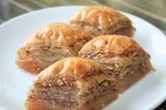 Baklava Tarifleri, 5 tane nefis ev baklavası tarifi – Amazing World Food and Recipes Sausage Pasta Recipes, Beef Recipes, Baking Recipes, Dessert Recipes, Desserts, Turkish Baklava, Easy Pasta Sauce, Turkish Sweets, Recipe Steps