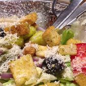 I would really like some Olive Garden salad New Recipes, Real Food Recipes, Cooking Recipes, Favorite Recipes, Healthy Recipes, Copycat Recipes, Olives, Mayonnaise, Dressings