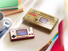 昭和55年に登場した懐かしの携帯ゲーム機「ゲーム&ウオッチ」が復活!なんと初代スーパーマリオを収録 | エンターテイメント - Japaaan