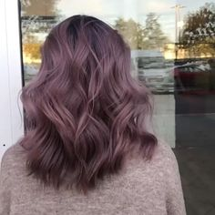Ombre Hair Colour, Pastel Ombre Hair, Purple Hair Highlights, Hair Color Caramel, Brown Hair Balayage, Hair Dye Colors, Hair Color Shades, Lavender Hair, Lilac Hair
