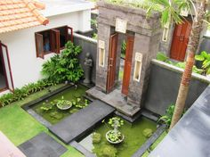 Home exterior design traditional interiors Ideas Home exterior design traditional interiors can find indian homes an. House Designs Exterior, Exterior Design, Traditional House Plans, House Entrance, Kerala House Design, Bungalow House Design, Courtyard House, Bali House, House Exterior