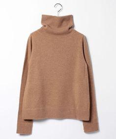 柔らかく、肌触りの良いウールカシミヤ素材を使用したタートルネックプルーバーです。襟元はややゆとりの・・・