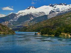 Desague Lago General Carrera. Nacimiento del Río Baker. Provincia de Capitán Prat, XI Región de Aysén- Chile End Of The World, Landscapes, River, Mountains, Nature, Outdoor, Birth, Racing, Countries