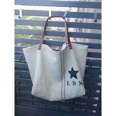 sac cabas big bag en grosse toile de couleur écrue avec un liseré lettres et étoile au pochoir anses en cuir 77,00 € L-d-s-by-so