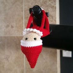 Elf on the Shelf // a free crochet pattern by Sydney Duenas, available on ravelry.com