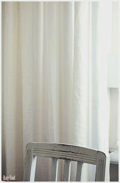 White linen curtains / Valkoiset pellavaverhot