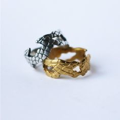 Ring Snake Skin Ring, silver or brass, handmade jewelry (305 DKK) ❤ liked on Polyvore featuring jewelry, rings, handmade silver jewellery, handmade silver jewelry, brass ring, silver jewelry and hand made jewellery