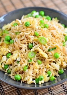 The Best Low Syn Egg fried rice - the perfect side dish for all your Chinese Fakeaway dishes. Gluten Free, Dairy Free, Vegetarian, Slimming World and Weight Watchers friendly Slimming World Dinners, Slimming Eats, Slimming World Recipes, Slimming World Fakeaway, Slimming World Breakfast, Chinese Fakeaway, Gluten Free Rice, Dairy Free, Low Carb Brasil
