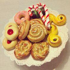Miniature Crafts, Miniature Food, Diy For Kids, Crafts For Kids, Rainy Day Activities For Kids, Sweet Dough, Biscuit, Clay Food, Fake Food