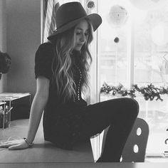 Sabrina Carpenter rocking a trendy hat