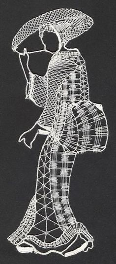 Geisha Laser Paper, Bobbin Lace Patterns, Lacemaking, Lace Heart, Thread Art, Lace Jewelry, Scroll Saw Patterns, Needle Lace, String Art