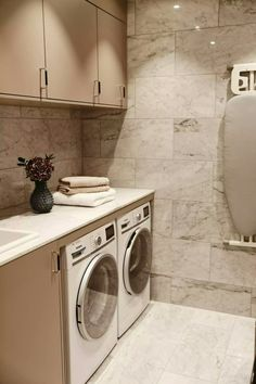 Laundry room in marble Laundry Room Design, Laundry In Bathroom, Bathroom Inspo, Interior Design Living Room, Living Room Designs, Home Building Design, Minimalist Living, Luxury Homes, Diy Home Decor