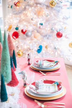 A whimsical Christmas table setting by coco+kelley complete with bottlebrush trees, pink souffles, glittering nutcrackers and a sprinkle of snow. Christmas Party Ideas For Teens, Adult Christmas Party, Last Christmas, Pink Christmas, Vintage Christmas, Christmas Holidays, Christmas Table Settings, Christmas Table Decorations, Holiday Tables