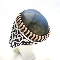 925 Sterling Silver Men's Ring with Fascinating Labradorite