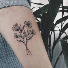 Tattoo designs for women small wrist – Viral Small Flower Tattoos, Flower Tattoo Designs, Tattoo Designs For Women, Small Tattoos, Cute Ankle Tattoos, Ankle Tattoos For Women, Sister Tattoos, Tattoos For Guys, Mini Tattoos
