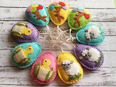Lamb Easter decoration, Felt Eggs with sheep ornament, Easter Lamb ornament, Felt Easter ornaments / 1 egg or set Easter Bunny Decorations, Felt Decorations, Easter Decor, Easter Pillows, Easter Fabric, Felt Crafts, Easter Crafts, Crafts For Kids, Felt Christmas Ornaments