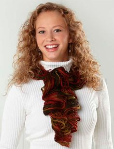 Follow this free knit pattern to create a scarf using Starbella yarn. Scarf shown in (002) Autumn.