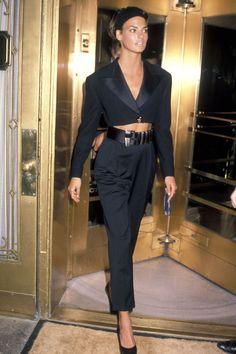 Linda Evangelista steps out in all black: