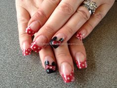 Elaine`s Disneyland nails ready for the eurodisney trip. Bit difficult to work on yourself though. :)