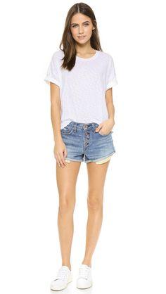 5 kiểu shorts jeans nếu chưa có thì tủ đồ của bạn chẳng thể coi là đủ cho hè này