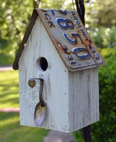 Rustic and cute Birdhouse! Rustic Spoon Birdhouse - Rustic Birdhouse - Spoon Birdhouse - License plate Birdhouse Image detail for -Whimsical. Bird House Plans, Bird House Kits, Rustic Spoons, Birdhouse Designs, Birdhouse Ideas, Rustic Birdhouses, Birdhouse Craft, Birdhouse Post, Painted Birdhouses